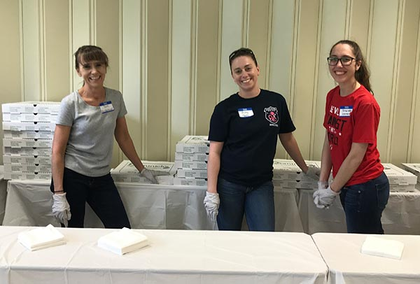 Lunchtime volunteers, Tami Vandergroef, Ashley Havens, and Amanda Norman